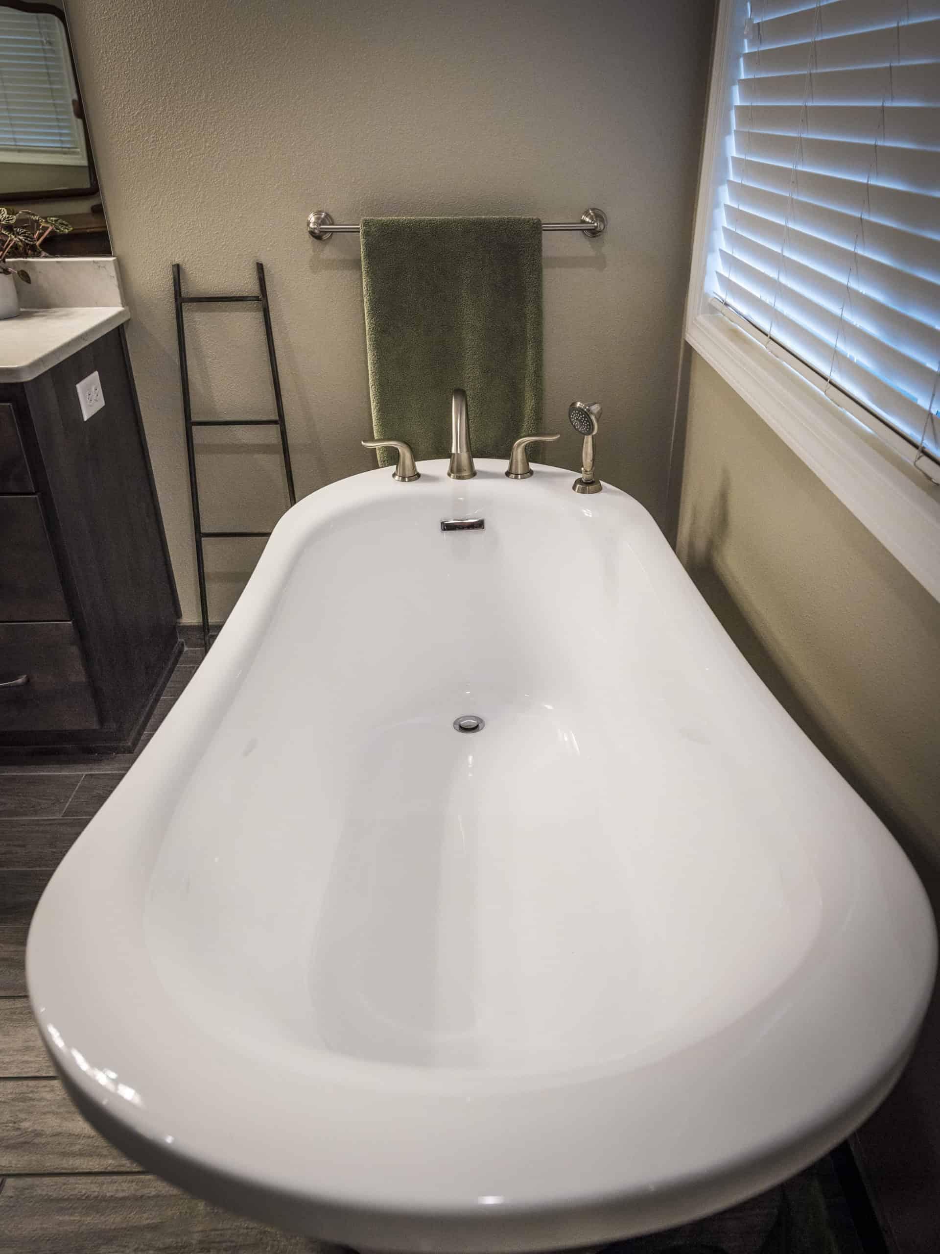 Nodine Bathroom Whisler 782